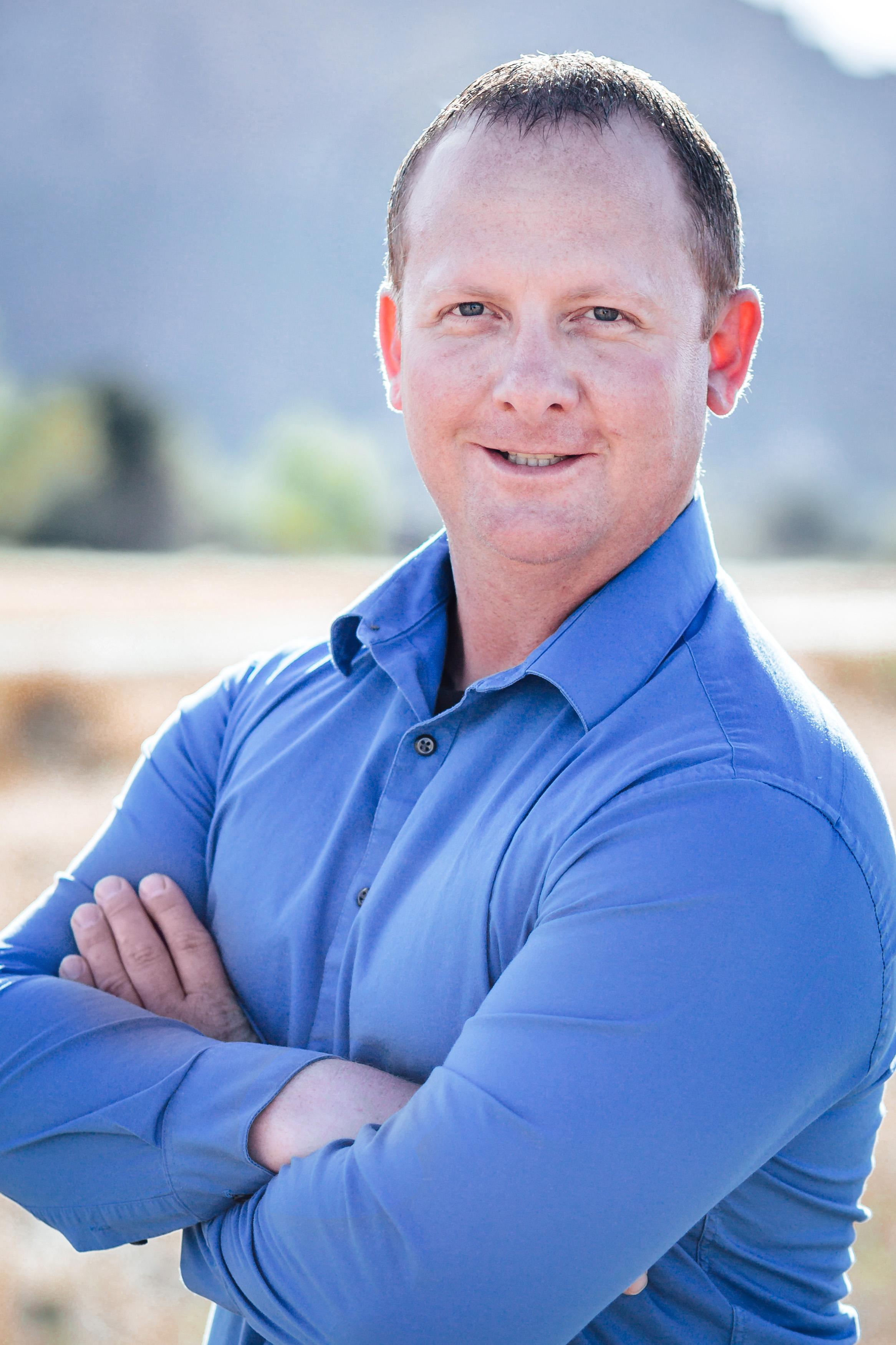 Kris Rowe